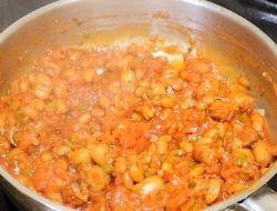 12 Shakshuka Sauce of Tomatoes with Sausage & Beans The LOVELEELERA Blog